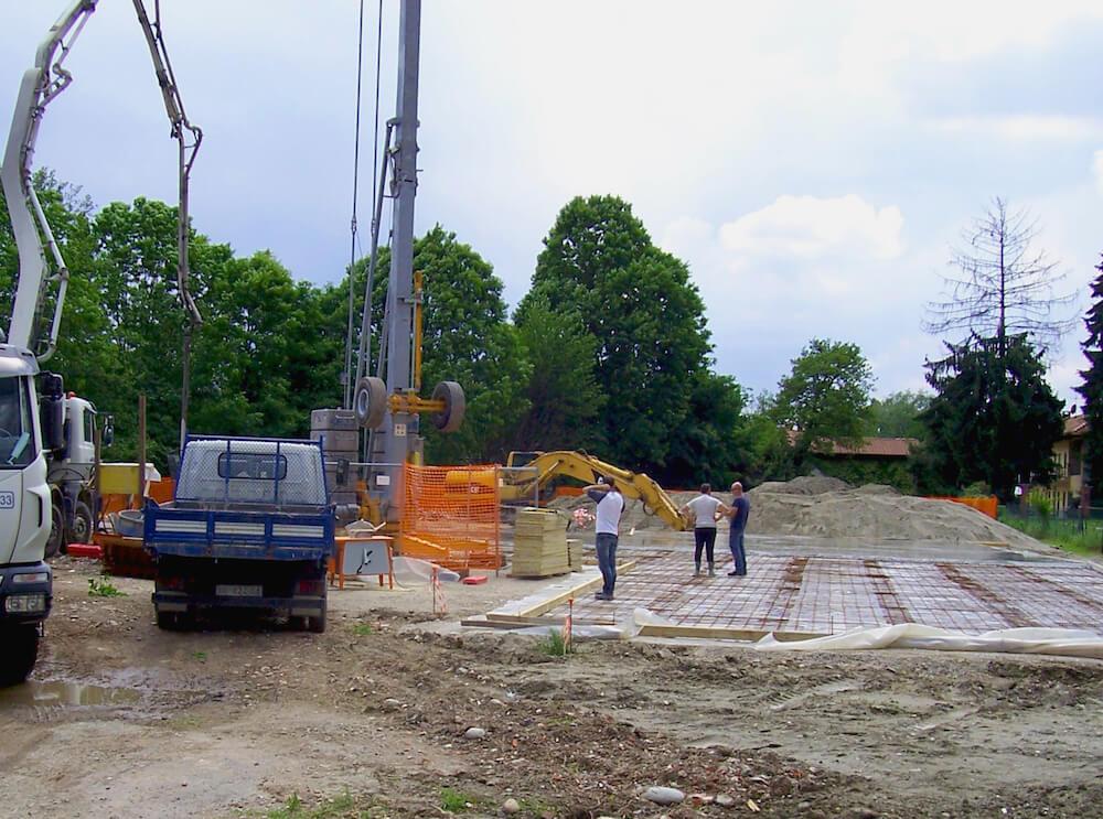 Creazione edificio residenziale con piscina esterna
